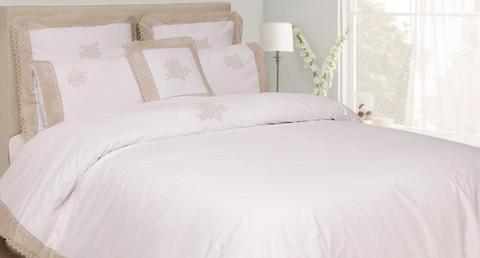 Постельное белье 2 спальное евро Luxberry Rose белое