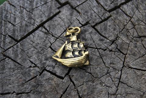 Кулон Кораблик
