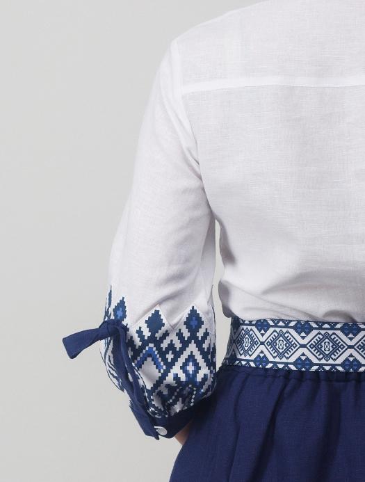 Блуза Родные узоры рукав сзади вблизи