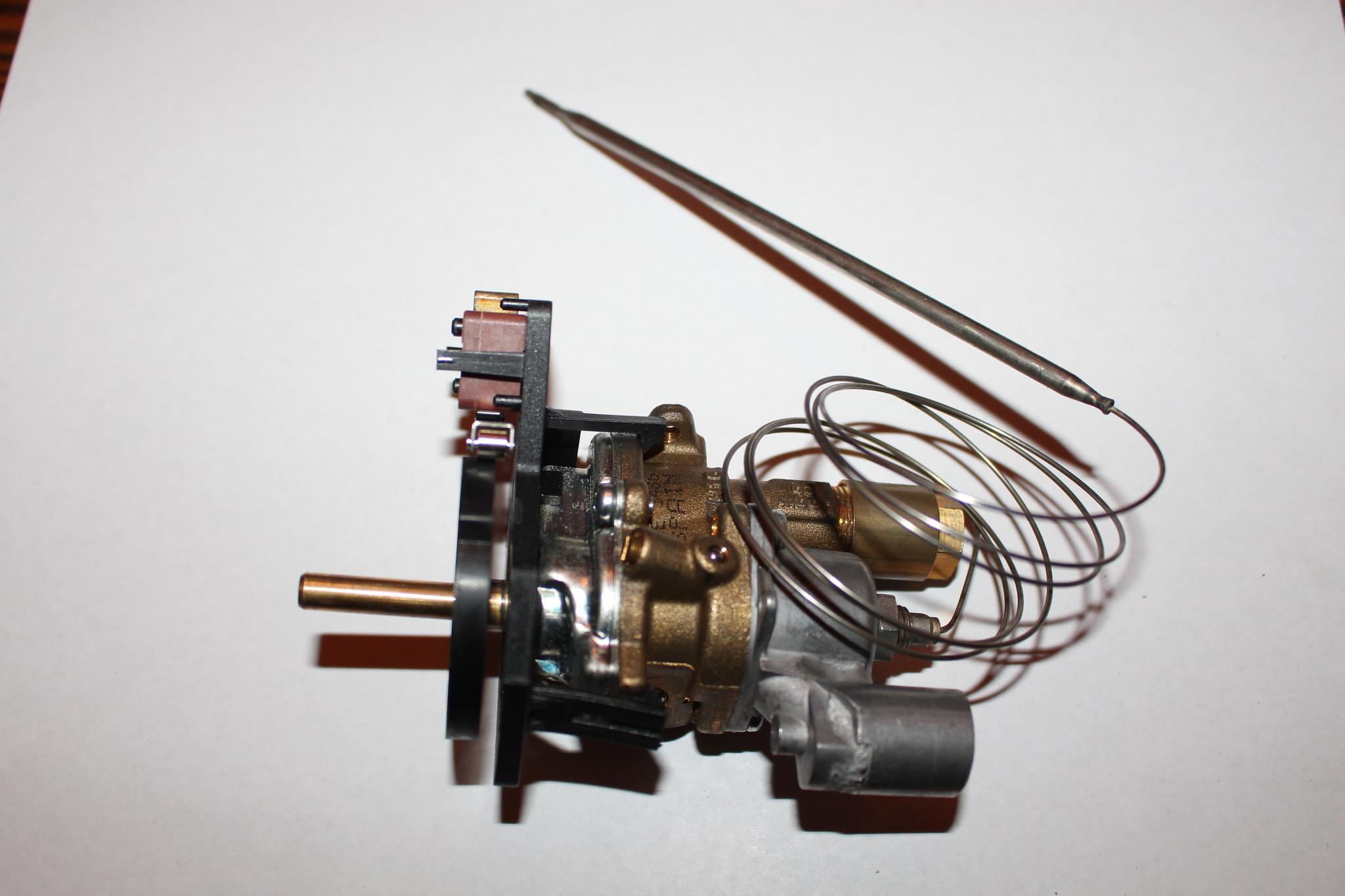 Universal Italy Термостат (терморегулятор) для плиты: Термостат для духовки Fagor (Фагор)- C150013K6