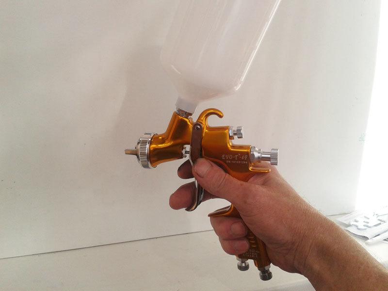 Краскопульт STAR EVO-T 4F  в руке