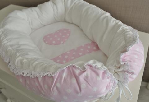 Babynest, гнездышко, кокон для младенца - розовый в белый горох