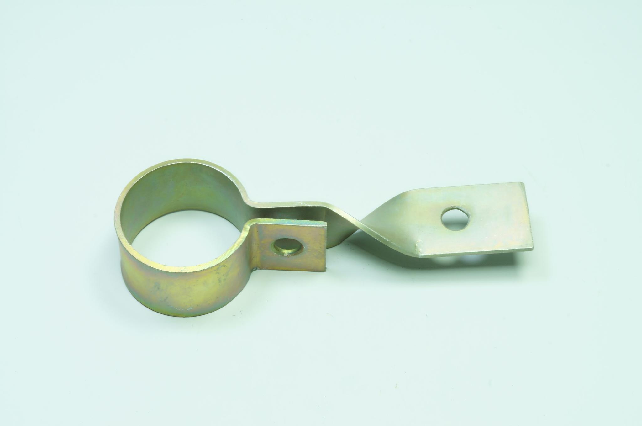 Хомут выпускной трубы глушителя Газ 21 3 серии