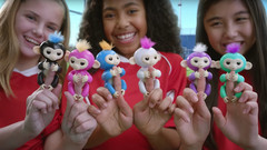 Обезьянка Fingerlings Happy Monkey