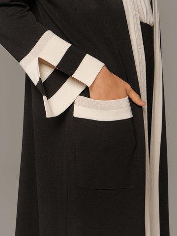 Женский удлиненный кардиган черного цвета с контрастными вставками - фото 3