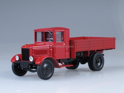 Ya-7 red 1:43 Nash Avtoprom