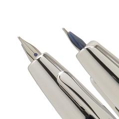 Перьевая ручка Pilot Capless Decimo (цвет: Red - Красная, перо золотое 18К с родиевым покрытием Extra-Fine 0,2 мм)