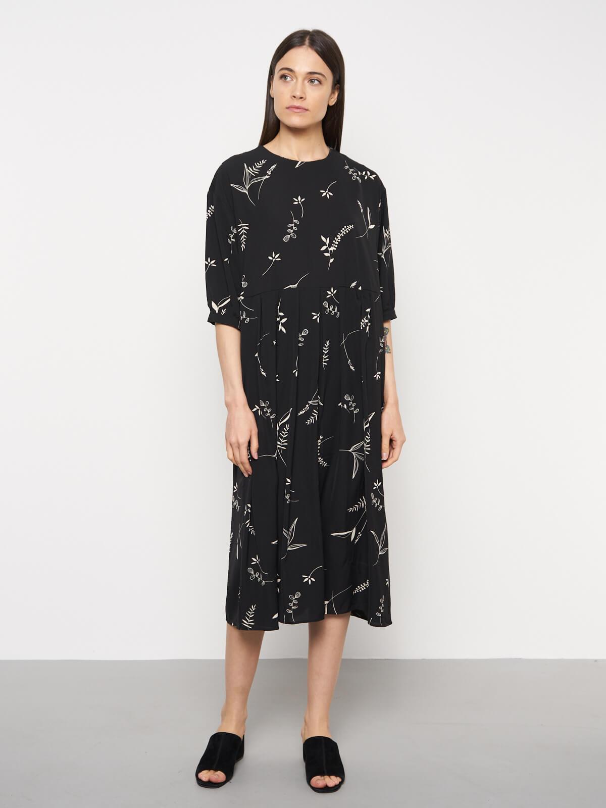 Платье свободное с коротким рукавом