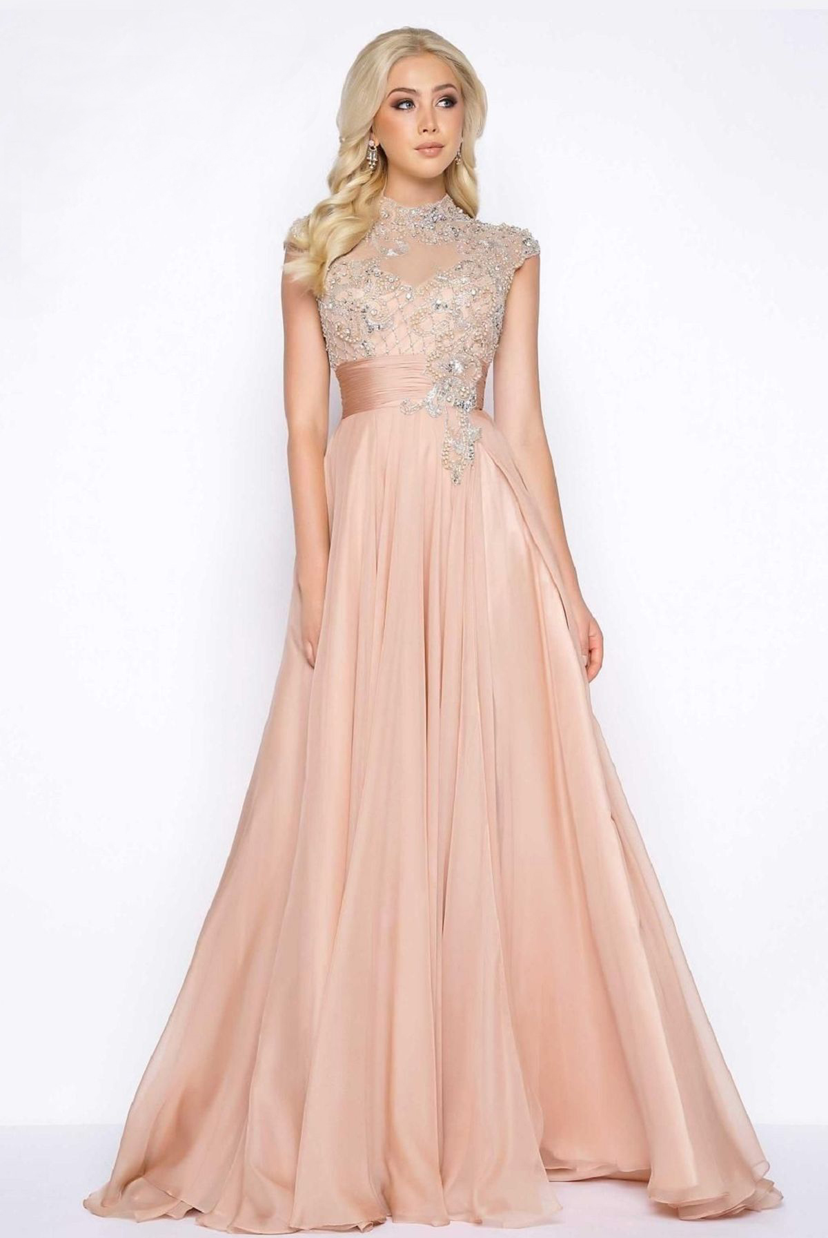 Mac Duggal 10010 Платье с кружевной верхней частью украшено камнями, спина прозрачная, юбка длинная и пышная