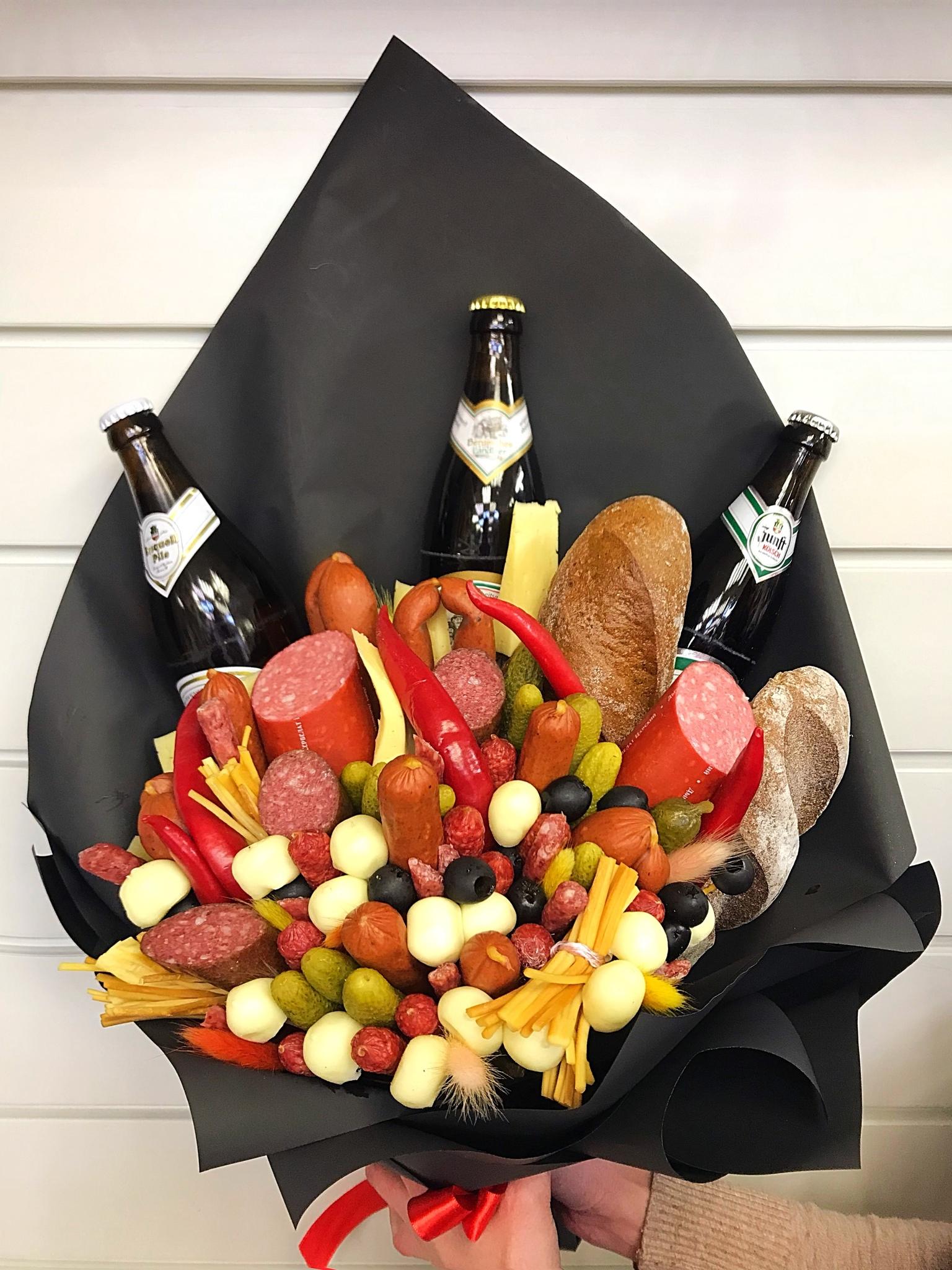 Необычный букет для мужчины на юбилей директору, купить дешевле цветы