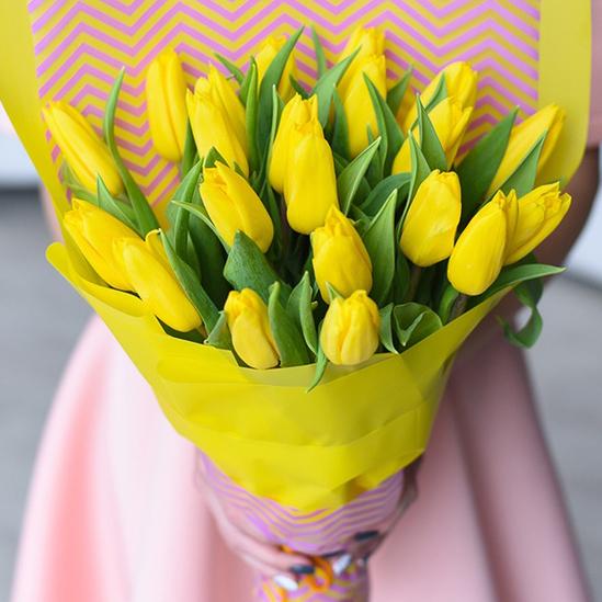 Купить букет 21 желтый тюльпан в Перми