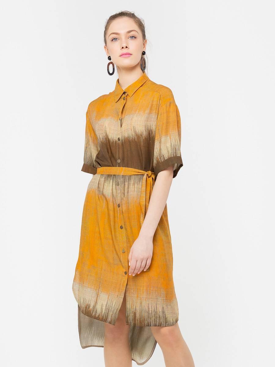 Платье З201а-563 - Платье-рубашка с рукавом до локтя и асимметричным низом. В комплекте пояс из основной ткани платья. Очень универсальная и практичная вещь, поскольку подходит к любому типу фигуры. Его можно носить практически везде: на прогулку, вечеринку, пляж, даже в офис! Надев такое платье однажды, вы уже никогда не захотите с ним расставаться