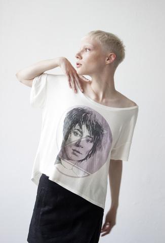 Женская футболка «Земфира» vis купить