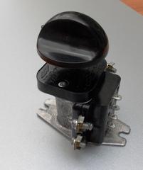 Переключатель ТПКП 25А для промышленных плит 0+3 раб. позиции в комплекте с ручкой