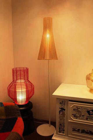 replica of  Secto floor lamp, natural birch