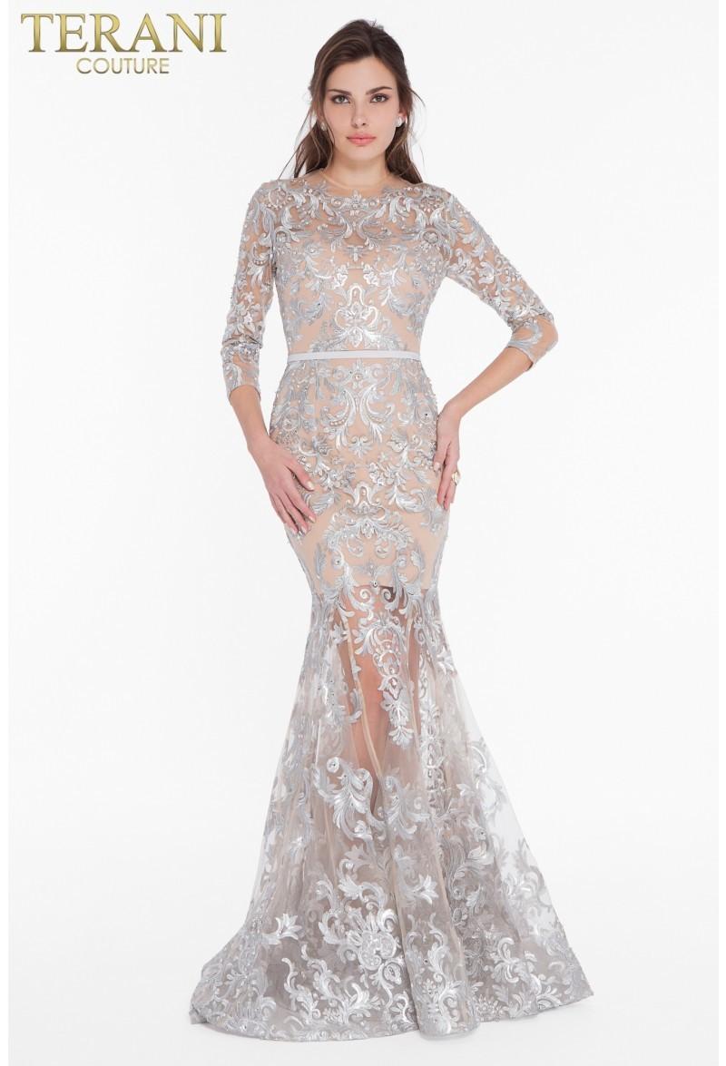 Terani Couture 1822GL7509 платье, верхняя часть плотно облегает фигуру (от лифа до колена ) а нижняя представляет собой широкую конусообразную юбку со шлейфом