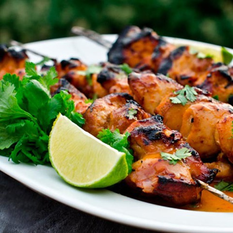 https://static-eu.insales.ru/images/products/1/1638/36374118/grilled_chicken_with_lime_chili_sauce.jpg
