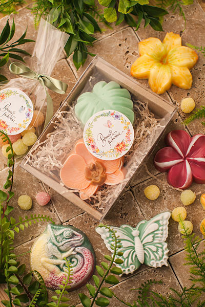 Наклейки круглые для подарочной упаковки Тропики