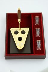Мастерок сувенирный со стопками из Златоуста