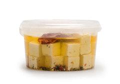 Сыр рассольный Брынза с вялеными томатами, 305г