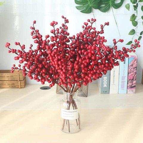 Новогодняя  веточка ягодки