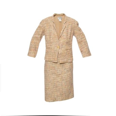 Классический твидовый костюм от Chanel, 48 размер.