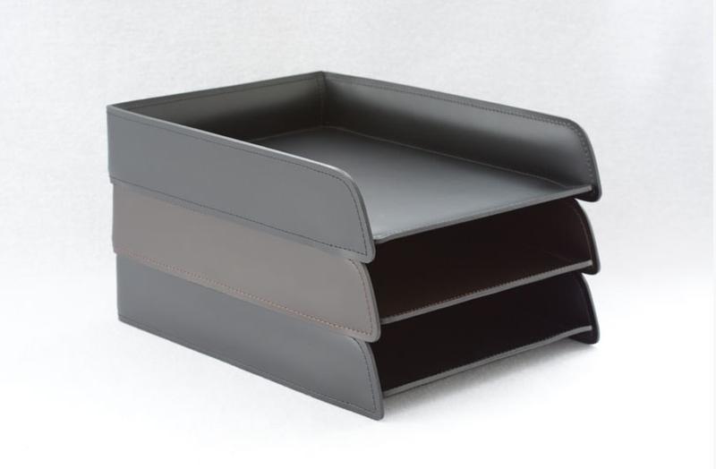 Лотки для бумаг можно поставить друг на друга до 5 штук.