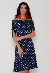 Романтическое платье из мягкого трикотажа со спущенной линией плеча. Приталенный силуэт. По низу платья волан. На рукаве сборка на кулиске.