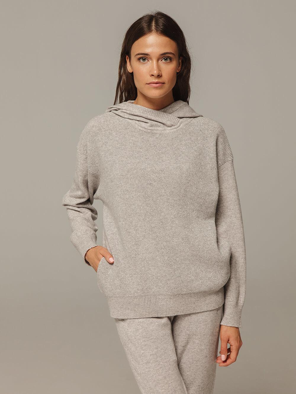 Женский серый джемпер с капюшоном из шерсти и кашемира - фото 1