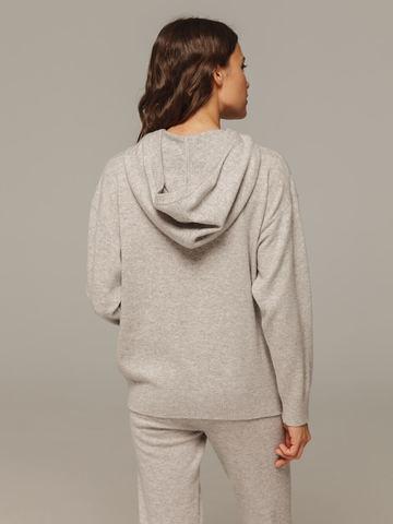 Женский серый джемпер с капюшоном из шерсти и кашемира - фото 3