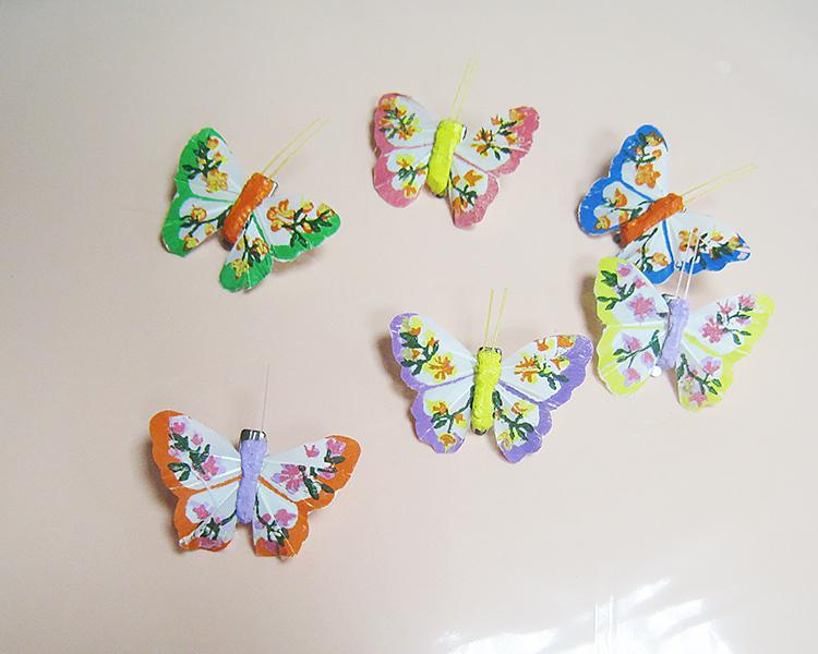 Бабочка на прищепке с росписью 6 см.