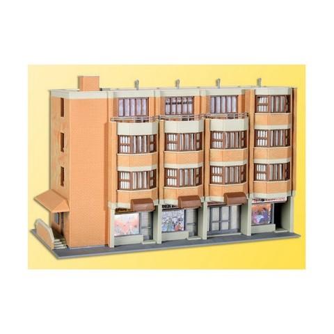 Kibri 38222 Жилой дом с магазином, НО