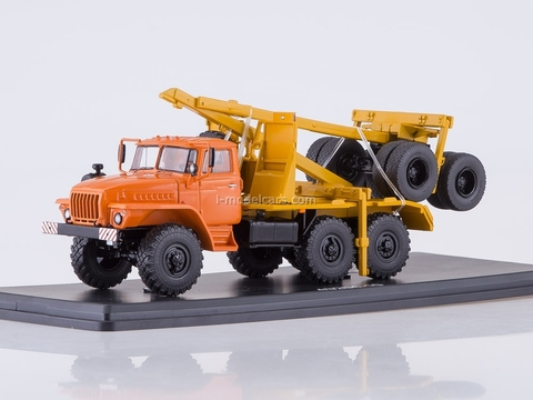 Ural-43204-10 timber carrier with trailer orange-yellow 1:43 Start Scale Models (SSM)