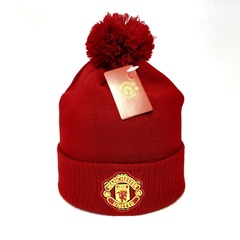 Вязаная шапка с помпоном и логотипом ФК Манчестер Юнайтед (Manchester United) красная