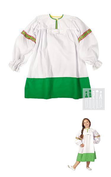 Модная удлиненная рубашка в народном стиле изготовлена из хлопчатобумажной ткани, подол изделия украшен широкой полоской зеленого креп-сатина. К рукавам пришита яркая декоративная тесьма, манжеты и вставка на груди отделаны кружевом-ришелье.