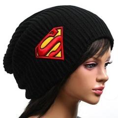 Шапка демисезонная с логотипом Супермен