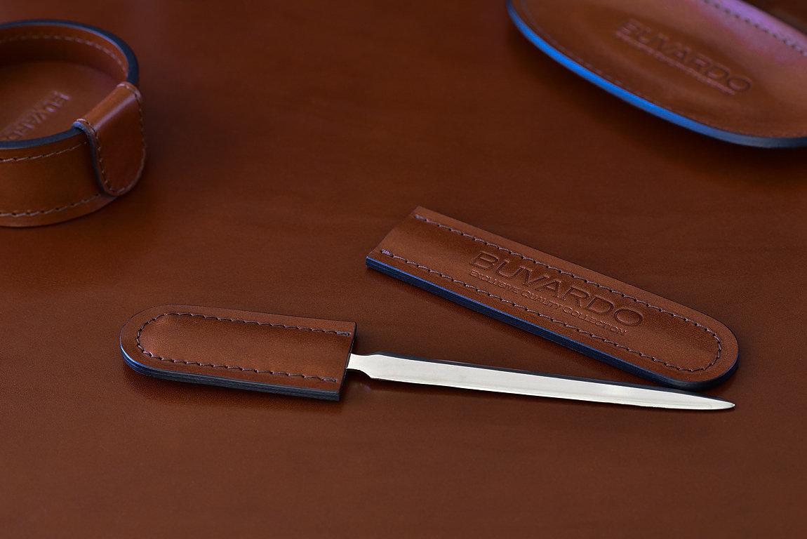Канцелярский нож с ножнами BUVARDO LUX из кожи Full Grain Toscana Tan