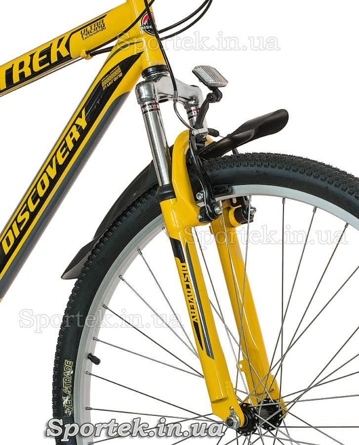 Амортизационная вилка горного универсального велосипеда Discovery Trek 2016 (Дискавери Трек)