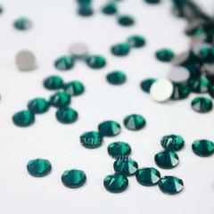 2088 Стразы Сваровски холодной фиксации Emerald ss 20 (4,6-4,8 мм), 10 штук