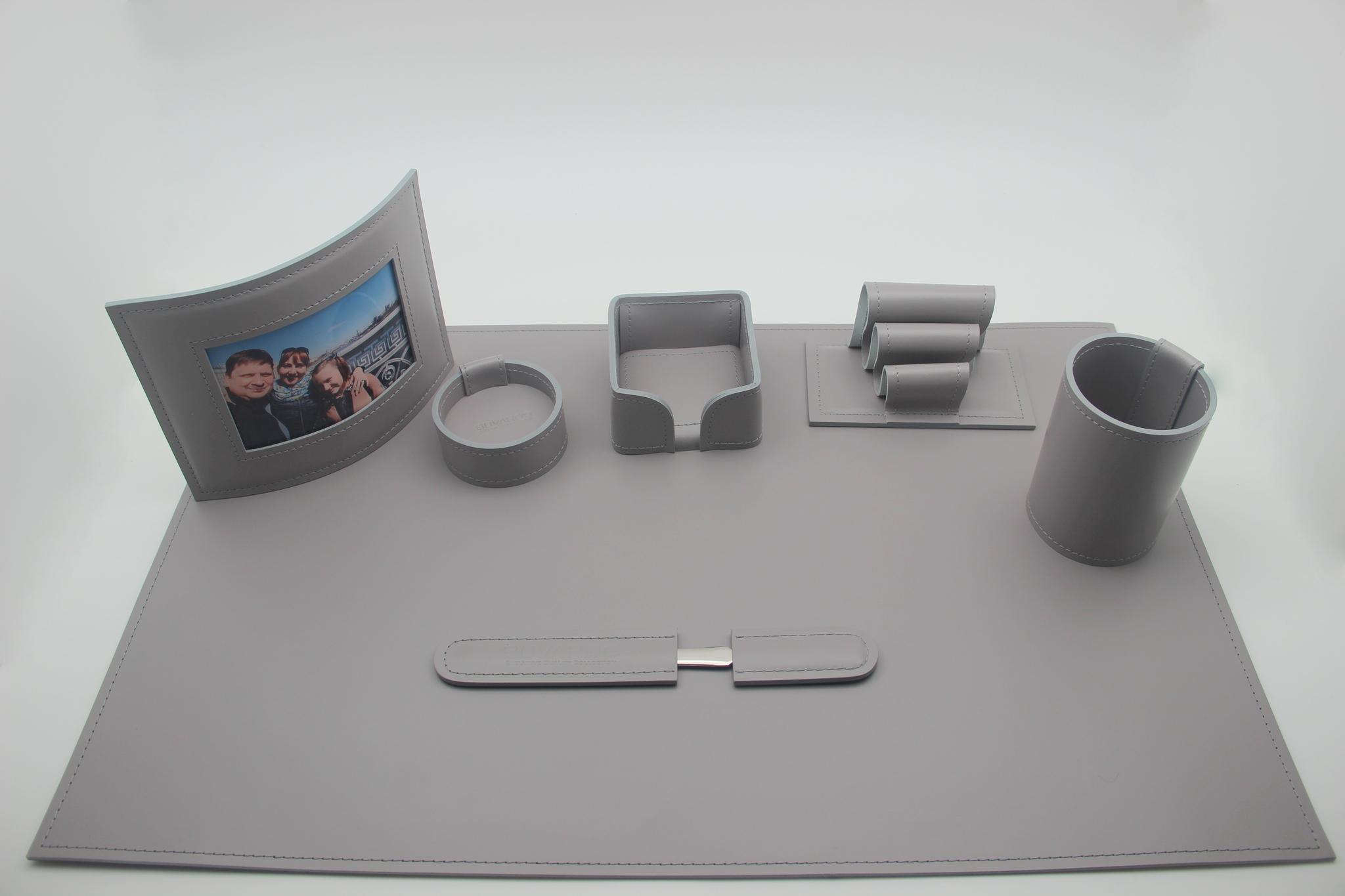 Набор на стол руководителю 7 предметов кожа цвет серый - распродажа.