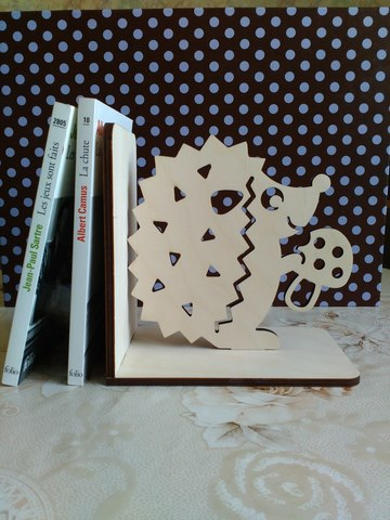 Держатели для книг из дерева
