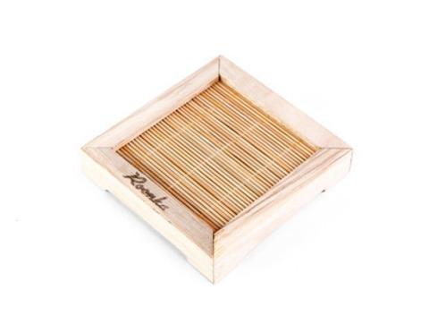 Поставка под чайник деревянная