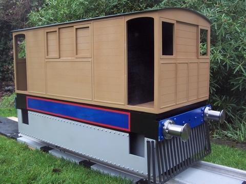 Garden Rail Локомотив Y6 Tram - РН на колеи 12,7 и 17,8 см, электрический