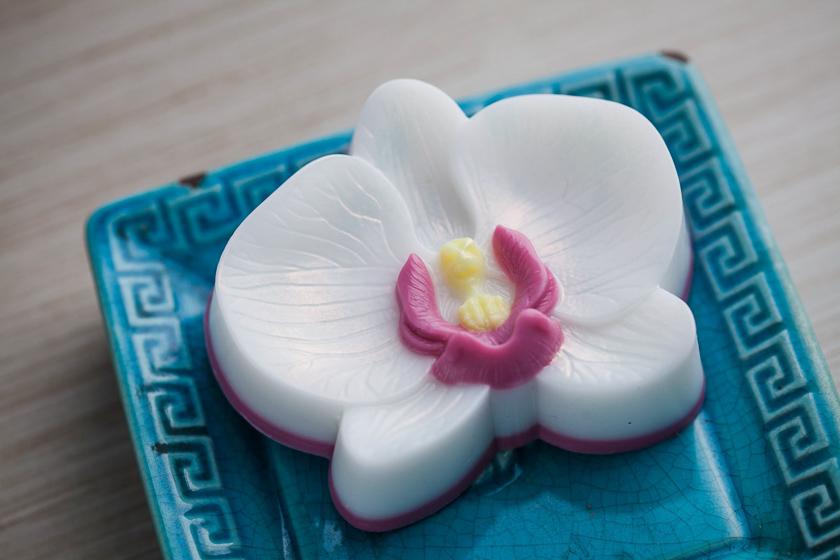 Мыло ручной работы. Форма Орхидея