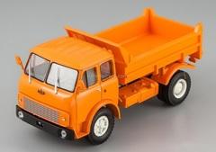 MAZ-5549 tipper orange 1:43 Nash Avtoprom