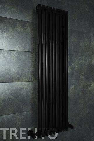 Trento Black - черный дизайн полотенцесушитель с прямоугольными вертикалями.