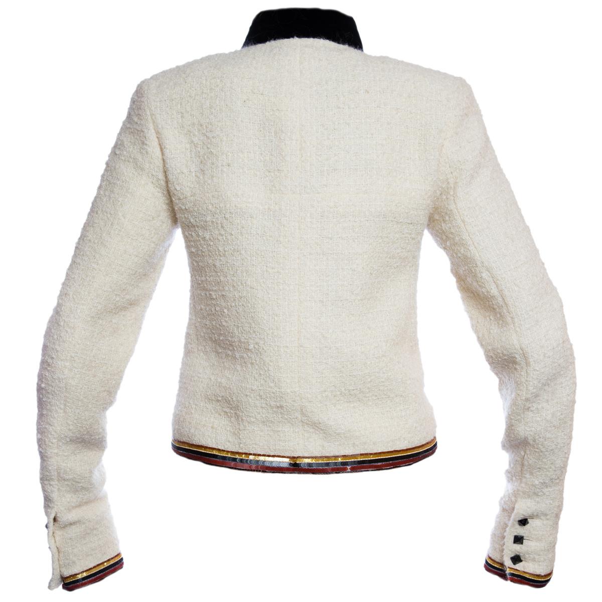 Эклюзивный жакет с вышивкой от Chanel, 38 размер
