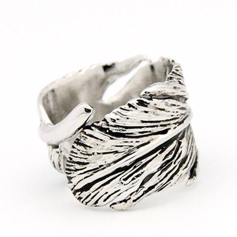 Кольцо Перо (серебряное с  черным)