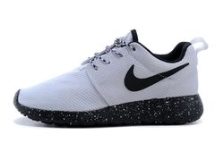 Кроссовки Женские Nike Roshe Run Noir Blanc White Black