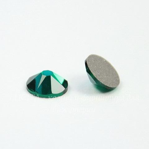 2088 Стразы Сваровски холодной фиксации Emerald ss30 (6,32-6,5 мм)